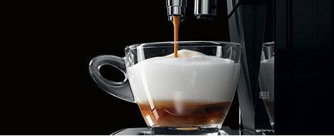 Idealnie spienione mleko dzięki nowoczesnej technologii.