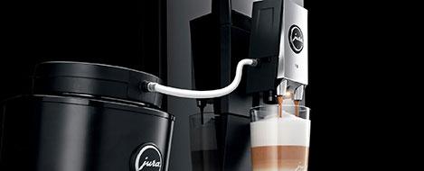 Nowoczesna technologia mlecznej pianki wykorzystana w ekspresie Jura F9